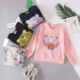 Diseño de la cabeza del tigre bordado Sudadera Ropa para niños Chaquetas de manga larga T-shirts 3T-10T Ropa para niños desde fabricantes