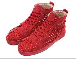 Botas con punta online-2018 diseñador de moda de la marca tachonada Spikes zapatos de los zapatos rojos inferiores para hombres y mujeres amantes de la fiesta de cuero genuino para hombre botas de diamantes de imitación