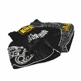 Pantalones cortos hombres poliéster online-2018 Pantalones de boxeo para hombre que imprimen los pantalones cortos de MMA Lucha contra el agarre Poliéster corto Kick Gel Boxeo Muay Thai Pantalones Pantalones cortos de boxeo tailandeses