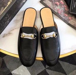 Ballet plano negro online-Zapatillas planas de diseñador Zapatos de ballet negro Pisos de mujer 2018 Zapatillas de diseñador Zapato plano Zapatillas de mujer Sandalias clásicas de media moda