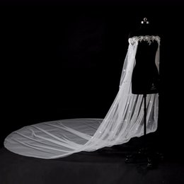 rote fauxpelz-achselzuckenjacke Rabatt 2018 Schulterfrei 3M Kathedrale Zug Hochzeit Braut Wraps Applique Spitze Kristall Perlen Mit 3d Blumen Hochzeit Braut Umhänge