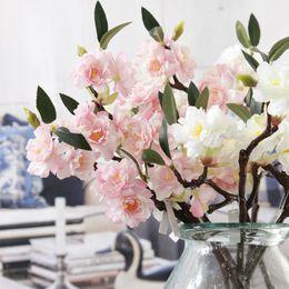 2019 albero fiore fiore ciliegio sakura 5 pz Artificiale Sakura Cherry Blossoms Fiori di Seta Flores Falso Cherry Tree Branches Casa Tabledesk Decorazione di Cerimonia Nuziale Ghirlanda sconti albero fiore fiore ciliegio sakura
