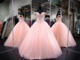 Blush Rosa Fora Do Ombro Tule Vestidos De Baile Quinceanera Vestidos De Strass Frisado Longo Prom Vestidos Sweety Meninas 16 Anos Vestidos Ba9089