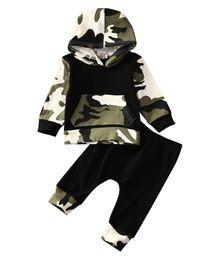 2pcs !! Venta caliente ropa infantil ropa de bebé establece Baby Boys camuflaje Camo sudadera con capucha Tops pantalones largos 2pcs trajes conjuntos ropa desde fabricantes