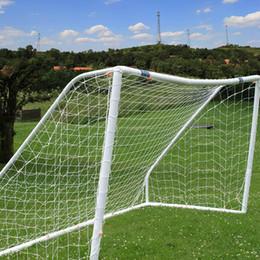 Heißer Verkauf Volle Größe 12x6FT Polyethylen Schnur Regen beständig Fußballnetz für Fußball Torpfosten Junior Sporttraining (Weiß) von Fabrikanten