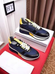 HOT Hommes Concepteur de luxe Brodé Abeille Blanc Sneaker En Cuir Véritable De Marque Femmes Casual Chaussures Haute Qualité Sans Boîte 38-44 166016 ? partir de fabricateur