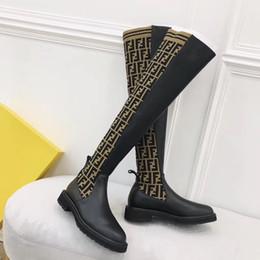 Apartamentos elásticos on-line-Luxo F meias mulheres botas Slim sobre o joelho botas de alta malha sexy elástico moda coxa Senhoras de salto plano botas de inverno de alta qual