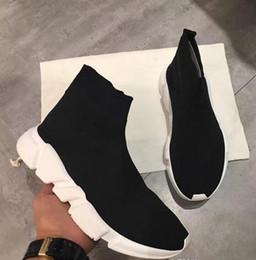 Marques de vêtements pour femmes en Ligne-Nom de marque de haute qualité unisexe chaussures décontractées à la mode chaussettes bottes femme nouvelle Slip-on tissu élastique vitesse formateur homme chaussures en plein air