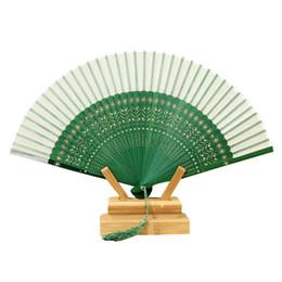 2019 chinês ventilador verde Ventilador de Mão Dobrável verde para Presentes de Festa de Aniversário de Casamento Dobrável Fã de Mão Estilo Chinês Oco Para Fora Fan Mão Wedding Party Favor desconto chinês ventilador verde