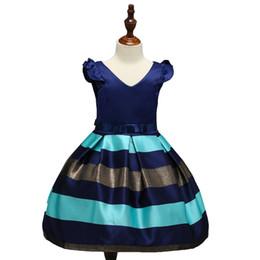 Blue Little Flower Girls Dresses 2018 Beauty Cap Sleeves Short Knee Length Daughter Sexy Children Immagini Wedding Formal Wear da