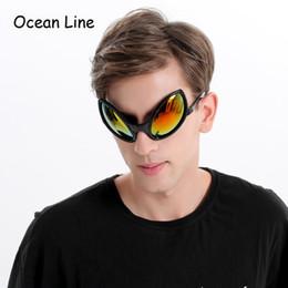 Fantasias de estrangeiros on-line-Máscara alienígena Engraçado Óculos de Sol Novidade Óculos de Cabine de Foto Do Dia Das Bruxas Adereços Acessórios Fontes Do Partido Decoração Presente