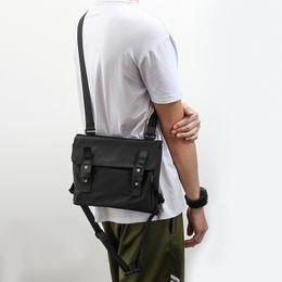 Messenger Bag Men Waterproof Nylon Leisure Negro Ipad bandolera de los hombres pequeño diseñador cremallera Crossbody hombres sacoche homme desde fabricantes
