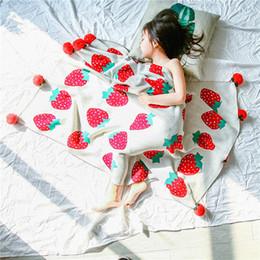 Couverture de fraise en Ligne-La nouvelle couverture en tricot de coton mignonne petite couverture de boule de fraise couverture de sieste couverture de châle pour enfants décoration bébé