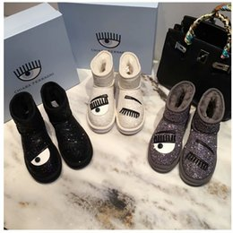 Piel de bota negra online-Chiara Ferragni Botas de nieve para mujer Brillo Blanco Negro Señoras de invierno Botas de tobillo de moda casual Resbalón en los ojos femeninos Botines de piel Zapatos