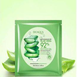 Canada BIOAQUA Natural Aloe Vera Gel Masque Visage Hydratant Huile Contrôle Masque Enveloppé Rétrécir Les Pores Masque Facial Cosmétique Fast Ship Offre