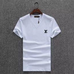46d3727bd9a631 Neue 2018 T-shirt Mode Abzeichen Männer T Shirts Für V-ausschnitt Baumwolle  Kurzarm Top Tees Hohe Qualität T-shirts Marken preiswerte hochwertige v-neck  t- ...
