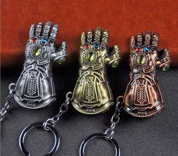 Llaveros de oro para hombre online-Alta calidad Avengers 3 Infinity War Thanos Infinite Power Glove Gauntlet Gold Men 3D modelo llaveros llavero Cosplay regalo