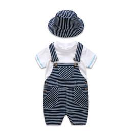 Ropa de bebé recién nacido Conjuntos de trajes de algodón para niños Camiseta blanca + Sombrero a rayas + Trajes de trabajo conjunto Ropa casual para niños Verano Y1893005 desde fabricantes