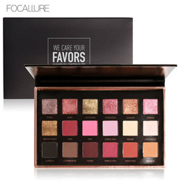 Wholesale Eyeshadow Blush Set - FOCALLURE 18Colors Eyeshadow Palette Matte Diamond Glitter Matallic Eye Shadow in One Palette Blush Makeup Set for Beauty FA40 EMS DHL 12Set