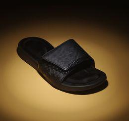 Wholesale leather spools - 2018 High Quality Men's Slippers Summer Sandals Soft Base Lightweight Slippers Sponge Bottom Men's flip flops Summer beach shoes