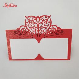 100 unids Laser Cut Love Heart Tarjetas de mesa Tarjetas de nombres de lugares Decoración de la mesa de la boda Favores de fiesta Suministros 6zSH871 desde fabricantes