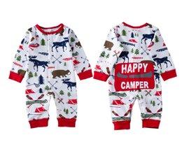 la neonata porta l'abito Sconti Natale Neonate Vestiti del ragazzo Pigiama Outfit Bambini appena nati Tuta a strisce Pagliaccetto Orso Renna Inverno all'ingrosso Natale Vestiti del bambino 0-18 M