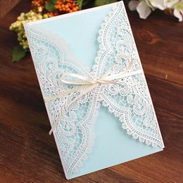 Wholesale Laced Wedding Invitations - White flora lace wedding invitation card elegant laser cutting wedding card with blue insert beige envelop