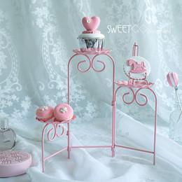 2019 desserts roses biscuits roses Échelle support pliable capable décoration de petit gâteau outils pour mariage fête table à dessert fournisseur affichage de boulanger desserts roses pas cher