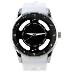 Nuevos hombres relojes de mujer Moda NI lujo mujeres hombres banda de silicona reloj de pulsera de cuarzo logotipo completo N06 Venta al por mayor al por mayor desde fabricantes