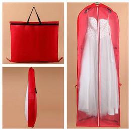 Venta al por mayor precio bajo de alta calidad del vestido de polvo engrosamiento de la cubierta de la bolsa de viaje tienda accesorios de almacenamiento 10 unidades por lote capa de polvo desde fabricantes