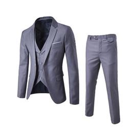 Argentina 2018 Trajes de moda para hombres Ropa casual de negocios para hombres Padrino de boda Traje de tres piezas Blazers Chaqueta Pantalones Pantalones Chaleco Conjuntos Suministro