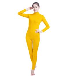 Vestito giallo chiaro online-(SWH022) Light Yellow Spandex Full Body Skin Tuta Tuta Zentai Suit Tuta Costume per Donna / Uomo Unitard Lycra Dancewear