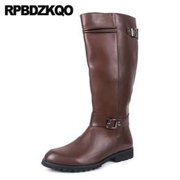 botas meias de meia calça zip Desconto Motocicleta Estilo Britânico Na Altura Do Joelho de Alta Zíper Equitação Plus Size Mens Botas De Couro De Alto À Prova D 'Água Inverno Mid Bezerro Sapatos Grandes Marrom