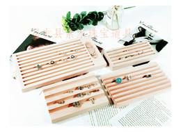 Bandejas de jóias de madeira on-line-Nova Moda Criativa Bandeja de Exibição de Anel de Madeira Maciça Bandeja de Jóias de Diamante Jóias Display Stand