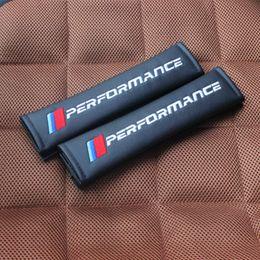 Bande dessinée matérielle en Ligne-2 Pcs / Set NOUVEAU Car Styling PU matériel Ceinture de Sécurité Couverture Siège Épaulière Accessoires Pour BMW E93 E60 E61 F10 F30 F07 M3 M5 E63