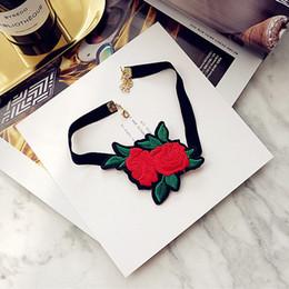 Folk rose on-line-Mão de pano feito Folk-costume Bordado Requintado Collar Colar Rose Colar