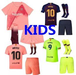 2018 2019 Barcelona kit kids MESSI 9 SUAREZ 7 COUTINHO Camisola de futebol  18 19 home away 3º PIQUE COUTINHO A.INIESTA Camisola de futebol para  crianças ab9f9a5b32e83