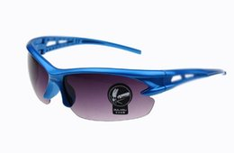 Wholesale yellow night driving glasses - Night Brand Designer Vision Glasses For UV400 Headlight Polarized Driving Sunglasses Yellow Lens UV400 Protection Night Eyewear for Driver