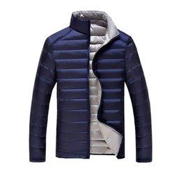 Desgaste del cuello de los hombres s alto online-De dos lados puede usar la chaqueta de la chaqueta de sección delgada ocasional de la moda de los hombres 2018 la chaqueta de abrigo de invierno de la alta calidad caliente del 90% del invierno abajo