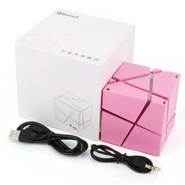 Wholesale top sound box speaker - Top Qone Mini Cube Speakers 3D Stereo Sound Portable Bluetooth Speaker Wireless Music Box Support TF Card With Retail Box Better Charge 3