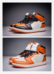 shatter box Promotion Hot 1 High OG Shattered Backboard Noir orange hommes chaussures de basket-ball 1s baskets de sport blanc femmes formateurs En gros taille 36-47 avec la boîte