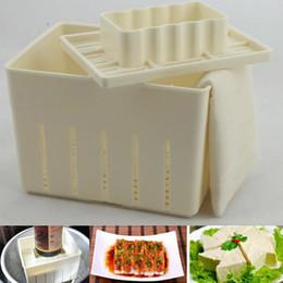 Käse schimmel online-DIY Kunststoff Tofu Presse Schimmel Hausgemachte Tofu Mold Soja Curd Tofu Making Mold mit Käse Tuch Küche Kochwerkzeug-Set