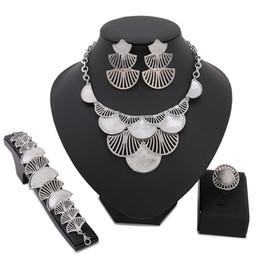 modische halskettenperlen Rabatt Großhandel Modische Afrikanische Perlen Gold Schmuck Sets Kristall Perlen Frau Schmuck Nigerianischen Hochzeit Braut Halskette Jewblry