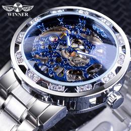 2019 vigilanza del diamante vincente Winner Blue Watches Diamond Design Skeleton Orologi da polso meccanici da uomo Orologio da uomo Mani luminose Argento Acciaio inossidabile vigilanza del diamante vincente economici