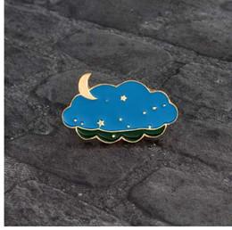 Sacos da lua da estrela azul on-line-Nuvens dos desenhos animados Estrelas Lua Broche de Metal Azul Esmalte Noite Pin para Mochila Saco Jaqueta jeans Camisa Criativa Moda Emblema Do Pino presente