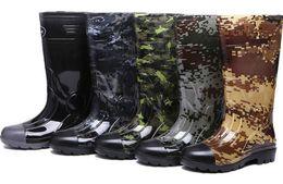 2018 Spot per uomo alto mimetico impermeabile, impermeabile, anti-skid, resistente all'usura Multicolor optional scarpe da acqua stivali da pioggia da protettore per le scarpe fornitori