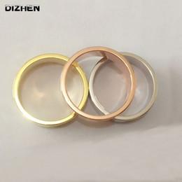 2019 regalos de boda de cristal baratos Anillo de cristal del anillo del dedo de plata de la manera para las mujeres de los hombres anillos de boda regalo del amante caliente al por mayor PrChristmas Lote barato R-17056 regalos de boda de cristal baratos baratos