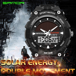 Reloj de cuarzo de energía solar online-Relojes Hombres Deportes de energía solar a prueba de agua Reloj casual Hombres Relojes de pulsera de hombres Reloj digital de cuarzo con hora dual Reloj hombres relogios