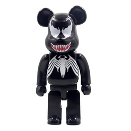 Bloco de construção urso bearbrick 400% Marvel Black Spider-Man figura modelo de decoração brinquedo mão escritório produto altura 28 cm de Fornecedores de brinquedos portadores de produtos