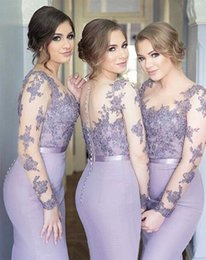 Argentina 2018 Nuevos vestidos de dama de honor de manga larga Sirena de satén cubierto botón Volver más tamaño de encaje Vestidos de fiesta formal de noche Vestido de dama de honor supplier mermaid bridesmaid dress covered buttons Suministro